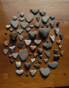 Note the natural proclivity to form faces in this arrangement of heartrocks with the lips/heart-rock, left center. Heart In Nature, Heart Art, I Love Heart, Happy Heart, Heart Shaped Rocks, Stone Massage, Rock Collection, Rock Crafts, Art Crafts