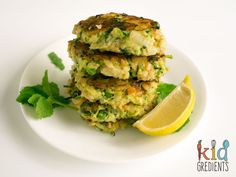 Zucchini and pea brown rice fritters, easy recipe that's freezer friendly, kid friendly and lunchbox friendly, as well as being the perfect dinner side!