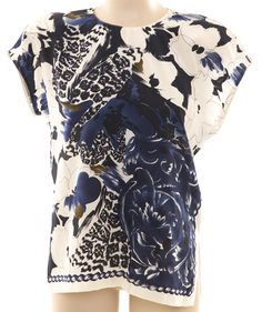 Size EU 36 – Navy, blue, crème and brown floral print silk short sleeve top with round neck, 3 navy blue button back closure, and shoulder pads. Changing Room, Silk Shorts, Brown Floral, Women's Tops, Silk Top, Floral Prints, Vintage Fashion, Pullover, Womens Fashion