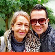 Como no amar a #elviricuquis.  . . . . . #bokeh #efectobokeh #bloggerstyle #lifestyle #familia #amordehijo #puroamor #amor #vida #instapic #fotodeldia #picture #photo #madreehijo Fashion Blogger Style, Sunglasses Women, Lifestyle, Instagram, Son Love, Life