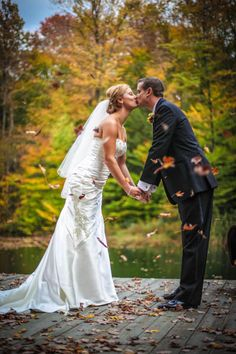 A must-take pic for brides with fall weddings | Fall Wedding Inspiration | Pura Soul Photography