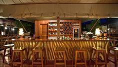Exploreans Mara Rianta Camp: Sip on a Dawa cocktail or a Kenyan Tusker beer in the convivial bar.