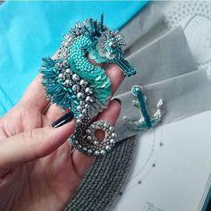 Beads and Accessories Made of Bears, # beadsbangle bracelet making . Wire Jewelry, Beaded Jewelry, Jewelery, Bead Embroidery Jewelry, Beaded Embroidery, Brooches Handmade, Handmade Jewelry, Motifs Perler, Beaded Animals