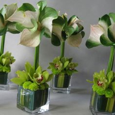 very simple accents, can be done with deep red anthurium instead of the green, all elements seen come in shades of red.