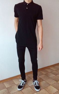 vans old skool black skinny jeans boys guys outfit Stylish Mens Outfits, Casual Outfits, Men Casual, Fashion Outfits, 2000s Fashion, College Fashion, Fall Fashion, Fashion News, Vans Outfit Men