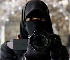 Niqabi photographer