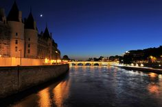 Seine river at Conciergierie, Paris by Angelo Ferraris on 500px