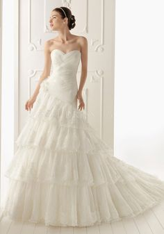 A line Sweetheart Tulle & Lace Floor Length Chapel Train Wedding Dress With Ruffles