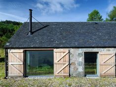 Leachachan Barn - Rural Design Architects - Isle of Skye and the Highlands and Islands of Scotland - DIY Home Decor Houses Architecture, Architecture Renovation, Barn Renovation, Computer Architecture, Urban Architecture, Larch Cladding, Rural House, Stone Barns, Modern Barn