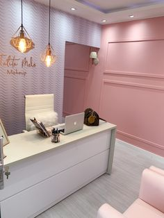 Home Nail Salon, Nail Salon Design, Nail Salon Decor, Beauty Room Salon, Beauty Room Decor, Beauty Salon Interior, Spa Room Decor, Esthetics Room, Clinic Interior Design