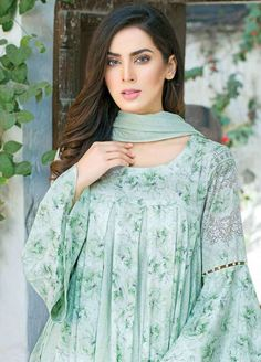 Frock fashion - Five Star Classic Lawn Volume 3 2019 Collection Five Star Lawn Volume 3 2019 Sanaulla Online Store Simple Pakistani Dresses, Pakistani Fashion Casual, Pakistani Dress Design, Kurti Sleeves Design, Sleeves Designs For Dresses, Dress Neck Designs, Sleeve Designs, Stylish Dress Designs, Stylish Dresses For Girls