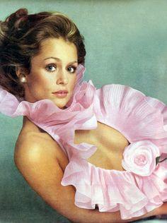 Lauren Hutton by Avedon Vogue US 1973