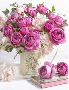 Beautiful Flower Arrangements, My Flower, Floral Flowers, Pretty Flowers, Flower Vases, Floral Arrangements, Fresh Flowers, Dahlia Flower, Bloom