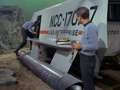 Check out dat fine ass! Star Trek 4, Star Trek 1966, Star Trek Tattoo, Classic Sci Fi Movies, Star Trek Models, Star Trek Convention, Star Trek Original Series, Star Trek Characters, Star Trek Starships