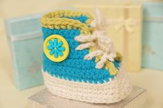 Cute Baby High Top - free Pattern and picture tutorial plus Videotutorial