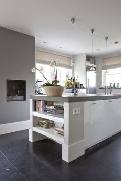 Shelves as finish on small bar in alcove/extend end of cabinetry Open Plan Kitchen, Kitchen Layout, New Kitchen, Kitchen Dining, Grey Kitchen Floor, Kitchen Flooring, Home Interior, Kitchen Interior, Cocinas Kitchen
