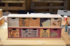 La decoración de madera con papel nos ofrece muchas posibilidades a la hora de decorar muebles básicos. ¡Fijaos!