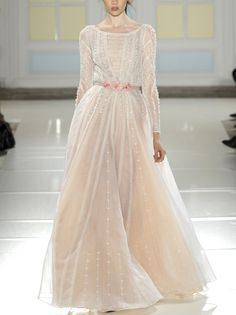 Vestido de novia en donde la tela y su fondo lo son todo - - ZsaZsa Bellagio – Like No Other