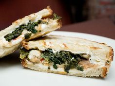 roasted chicken with tuscan kale, cannellini bean puree & mozzrella on grilled country bread - thanks to Eats NY Country Bread, Serious Eats, Spanakopita, Roasted Chicken, I Love Food, Mozzarella, Kale, Real Food Recipes, Sandwiches
