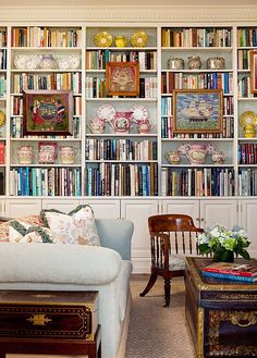 38 Creative And Genius Bookshelf Styling Living Room Decoration on Home Decor Ideas 6999 Bookshelf Styling, Bookshelves, Home Library Design, House Design, Living Room Decor, Living Spaces, Bookshelf Living Room, Home Interior, Interior Design