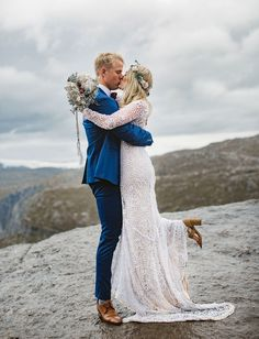Adventurous Mountain elopement at Trolltunga in Norway #placestoelope #norway #elopement