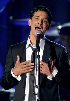 El Debarge Photos Photos - Singer El Debarge performs onstage during the 2010 BET Awards held at the Shrine Auditorium on June 2010 in Los Angeles, California. - BET Awards - Show Beautiful Men, Beautiful People, Celebrity Singers, The Power Of Music, Bet Awards, Handsome Black Men, The Man, Artists, Songs