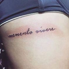 Risultati immagini per memento vivere tatuering