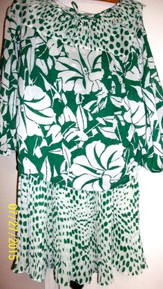 Size L, Floral Green & White Skirt Suit, Polyester Pleats, Elastic Waist #Unknown
