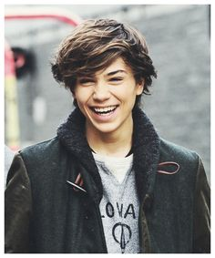 George Shelley #mcm 1/9/14... saw him at T Live and wow in person he is gorgeous I can't believe how close I actually got to him it was actually ridiculous omg