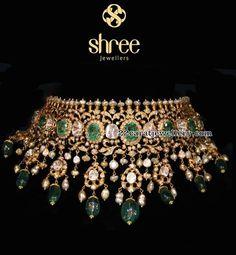 Flat Diamond Stylish Sets by Shree Jewellers Ruby Jewelry, Rose Gold Jewelry, Vintage Jewelry Crafts, Gold Jewellery Design, Bridal Jewelry Sets, Bridal Jewellery, Jewelry Patterns, Jewels, Flat