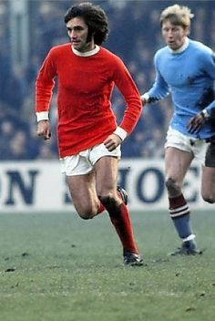 George Best in the Manchester derby in 1969 Manchester Derby, Manchester United Football, Manchester City, Match Of The Day, Football Awards, Club World Cup, Premier League Champions, Association Football, Man United