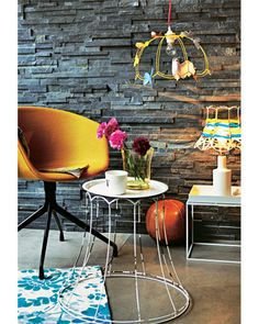 Via Do it from Brigitte - lampshade table