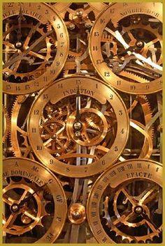 Strasbourg - Cathedrale - gros plan du mécanisme de l'horloge astronomique, dans le croisillon Sud de la Cathédrale de Strasbourg.