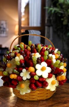 ideas fruit party platters edible arrangements for 2019 Fruit And Veg, Fruits And Veggies, Fresh Fruit, Fruits Basket, Vegetables, Fruits Decoration, Food Carving, Edible Arrangements, Fruit Displays