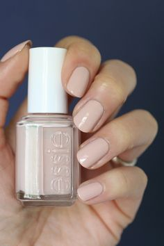 Essie Nude Comparison : Topless & Barefoot, Sand Tropez, Lady Like, Wild Nude, Cocktails & Coconuts, Spin the Bottle, Got Engaged, Mamba, At the Barre & High Class Affair | Essie Envy