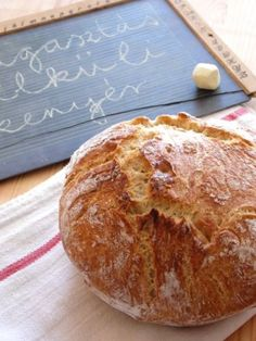 Szenzációs házi kenyér – dagasztás nélkül | A napfény illata Healthy Homemade Bread, Tony Bowls, Hungarian Recipes, I Want To Eat, Diy Food, Bread Recipes, Good Food, Kenya, Food And Drink