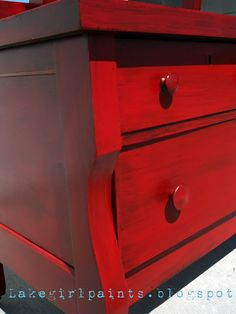 Lake Girl Paints: Furniture Redo in Red - Furniture Redo in Red Over Black. This is really such an easy paint technique that gives lots of beautiful layering. Refurbished Furniture, Paint Furniture, Repurposed Furniture, Furniture Projects, Furniture Making, Furniture Makeover, Dresser Makeovers, Dresser Repurposed, Antique Furniture