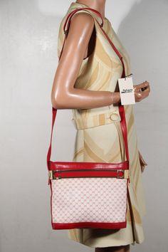 6b0cf090b74a GUCCI VINTAGE White   Red GG monogram Canvas bucket Tote shoulder bag