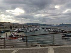 Panorámica del puerto deportivo desde el mirador de las marismas. Descubre #santoña #santoñateespera #turismosantoña