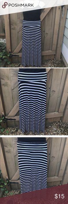 Heart Hips striped black & white maxi skirt size M Size M Heart Hips striped black & white maxi skirt: BIN 1 Heart Hips Skirts Maxi