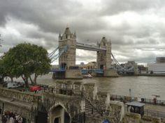 Vista do Tower Bridge dende a Torre de Londres