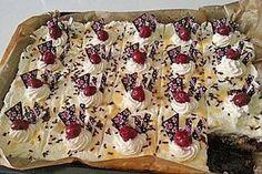 Kirsch - Eierlikör - Blechkuchen mit Schmand - Sahne (Rezept mit Bild) | Chefkoch.de