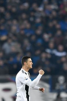 Looking for New 2019 Juventus Wallpapers of Cristiano Ronaldo? So, Here is Cristiano Ronaldo Juventus Wallpapers and Images Cristiano Ronaldo Cr7, Cristiano Ronaldo Wallpapers, Cristano Ronaldo, Cr7 Juventus, Juventus Players, Atalanta Bc, Juventus Wallpapers, Ronaldo Real Madrid, Cr7 Images