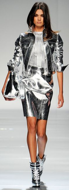 Dark Silver Metallics from Blumarine :: Fall Ready To Wear 2012 casual chic metallics Metal Fashion, Look Fashion, Runway Fashion, High Fashion, Fashion Design, Fashion Trends, Skirt Fashion, Fashion Boots, Trendy Fashion