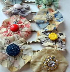 Anthropologie Inspired Hair Pins tutorial fabric buttons great use for scraps.. easy.. cheap... attractive