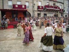 In 1994, Ribadavia began hosting Festa da Istoria, an annual celebration of its Sephardic Jewish heritage.