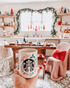 Christmas Time Is Here, Christmas Room, Merry Little Christmas, Cozy Christmas, All Things Christmas, Christmas Holidays, Christmas Decorations, Whimsical Christmas, Bohemian Christmas
