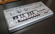 Roland TB-303 - the original sound of acid house!