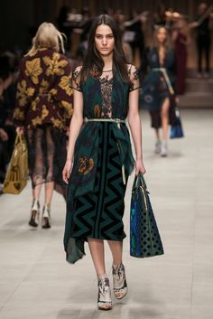 A look from the Burberry Fall 2014 RTW collection.