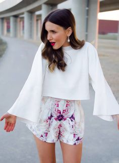 Spring chic floral pattern shorts